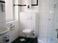 willy-hotel-frankfurt-zj-Bathroom2